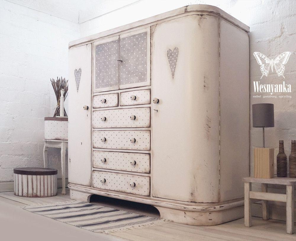 Kleiderschranke Herrenschrank Shabby Chic Polka Dots Ein Designerstuck Von Wesnyanka Bei Dawanda Kleiderschrank Vintage Schrank Kleiderschrank