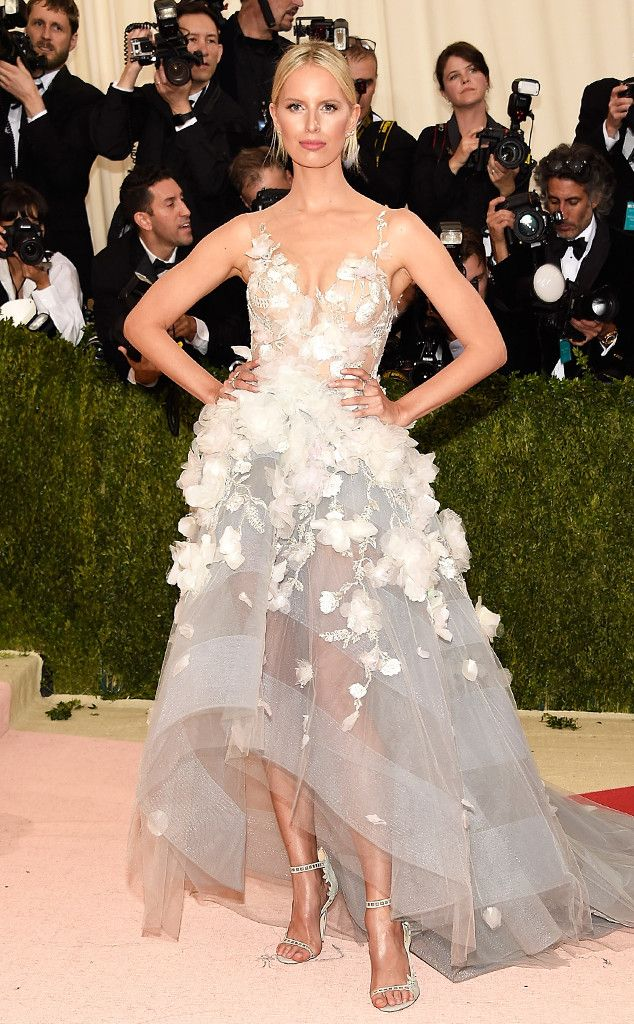 3ba693ab7b 2016 Met Gala: Karolina Kurkova is elegant in a white Marchesa high/low gown  with floral appliques. Elegant in white! Karolina always nails it on the Met  ...