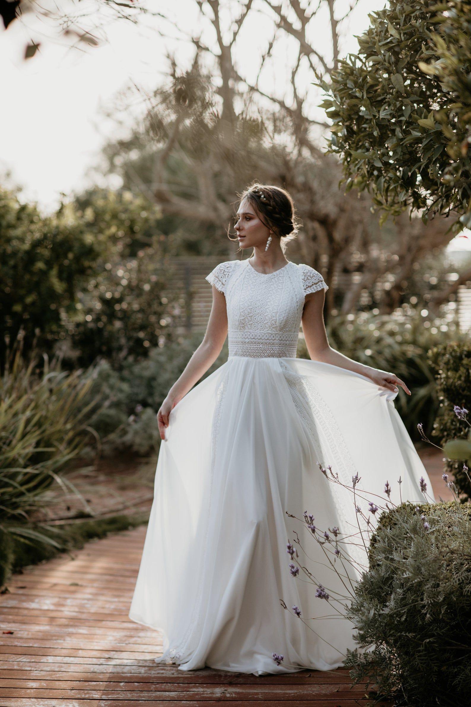 Short Sleeve Womens Dress Vintage Ivory Inspirational Boho Etsy Wedding Dresses Wedding Wedding Dresses Vintage [ 2380 x 1588 Pixel ]