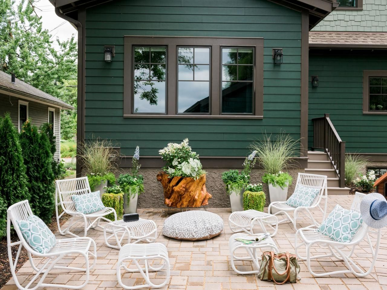 26+ Forest green exterior house color ideas in 2021
