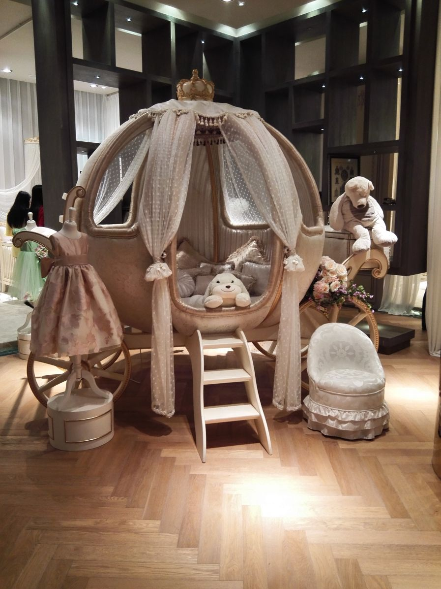 Baby Nursery Lovely Cinderella Pumpkin Canopy Crib White ...