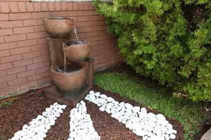 Decoraci n con fuente para jardines peque os decoraci n - Decoracion de jardines pequenos ...