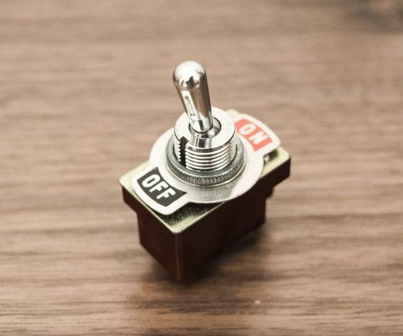 antique vintage on off toggle switch interrupteurs robinets et am nagement int rieur. Black Bedroom Furniture Sets. Home Design Ideas
