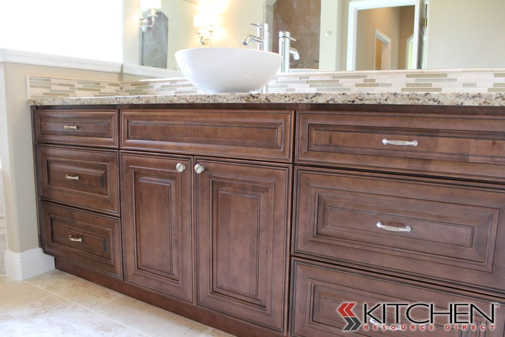 This bathroom uses our bristol rta cabinets in maple for Chocolate maple glaze kitchen cabinets