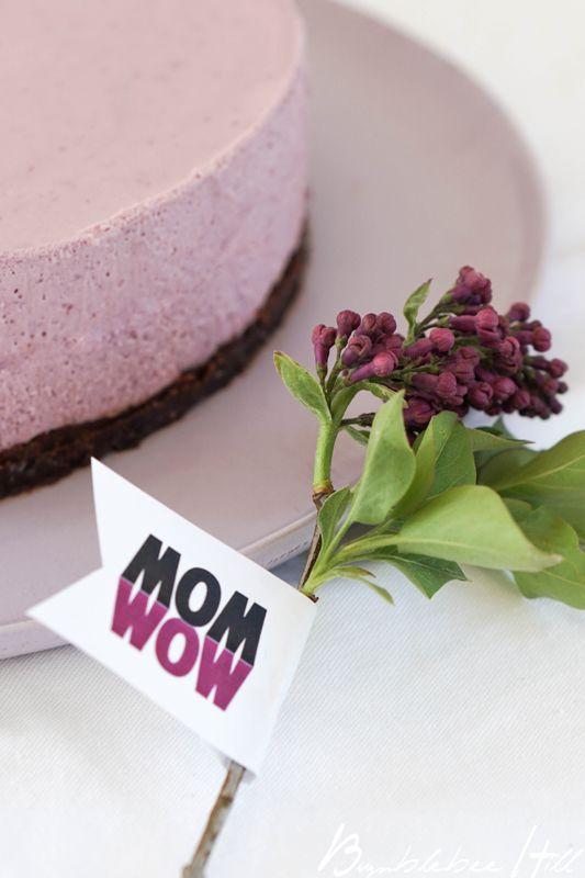 Bumblebee Hill: Vase in Vase und Brombeertorte für Mom - Wow!