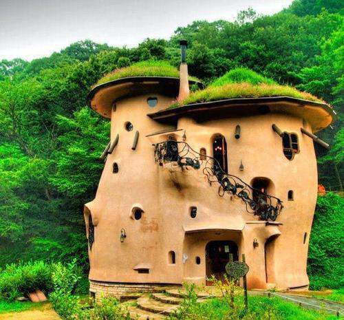 Cob-Buildings. Oh my the things dreams are made of.