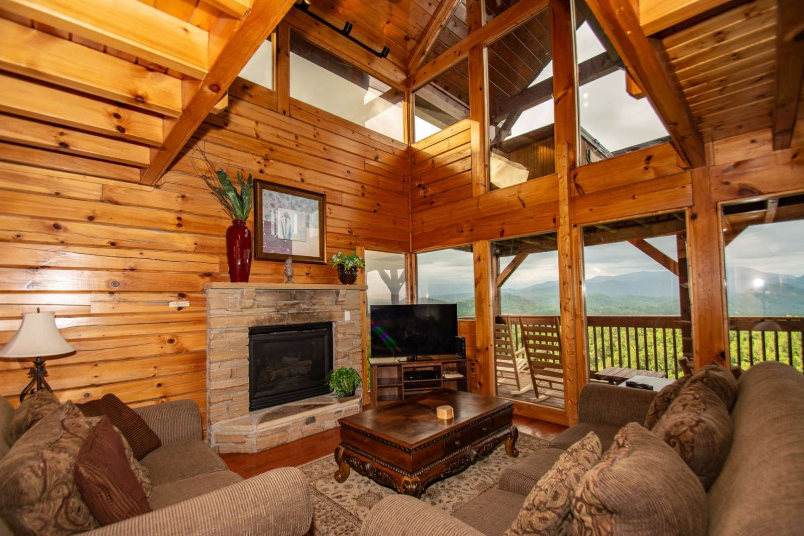Sevierville vacation rental amazing mountain city views great loft area seasonal pool hot tub 5 miles to dollywood free fun cabin rental on