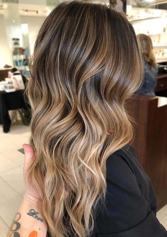 33 Wunderschone Blond Braune Frisuren Finde Die Schonsten Frisuren Fur Blondes Bis Braunes Haar The Post 33 Wunde Balayage Frisur Haarfarben Haarfarbe Balayage