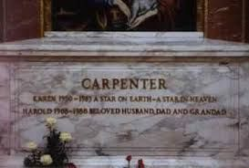 Image Result For Karen Carpenter Funeral Open Casket Karen Carpenter Famous Graves Carpenter