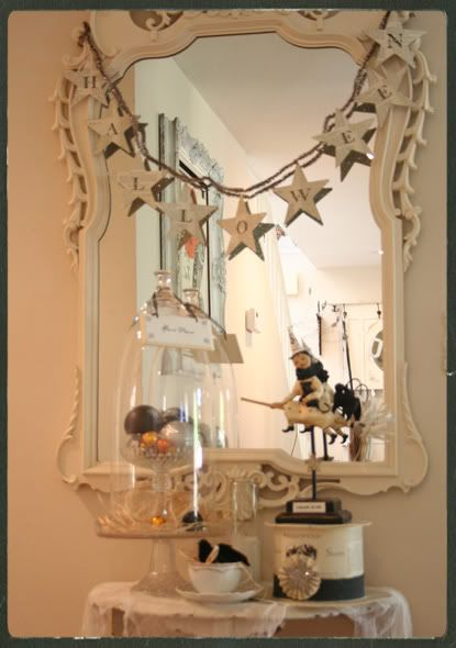 White touch of blackgreat use of Wendy Addison  Nicole Sayre - elegant halloween decorations