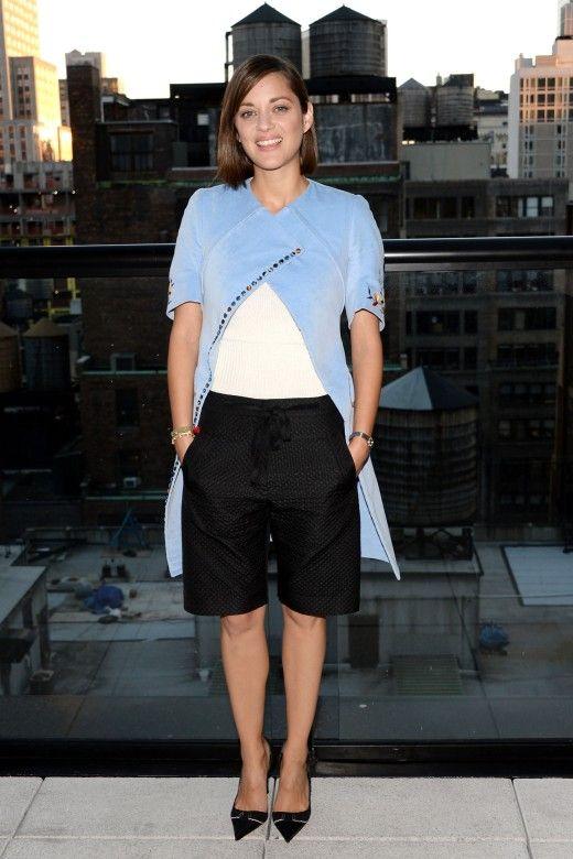 """Marion Cotillard verkörpert die """"Laissez-faire-Eleganz"""" der Französinnen. Mehr Looks des Tages gibt es bei ICON http://www.welt.de/icon/article124496720/Marion-Cotillard-in-Dior.html"""