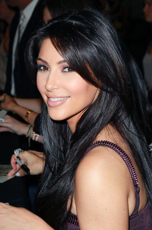 Kim Kardashian, natural hair color and simple makeup ...