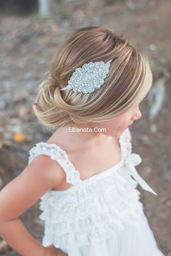 احدث تسريحات شعر للبنات الصغار للاعراس Flower Girl Hairstyles First Communion Hairstyles Cute Little Girl Hairstyles