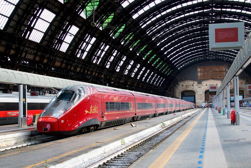 Alstom Agv Emu Ntv Etr 575 20 Italo In Milano Centrale In Italy