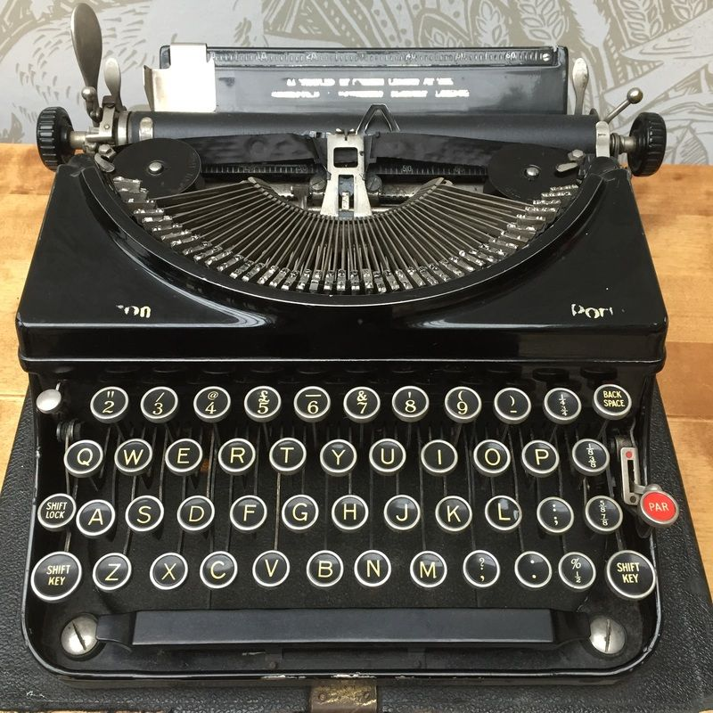 Vintage Typewriter For Sale 82