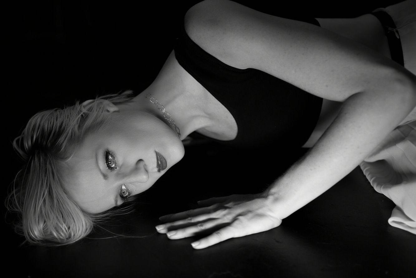 Heather Rabun, Dancer, JOULE THEATRE. ©Kim Adamis/Sonic Bliss Productions LLC