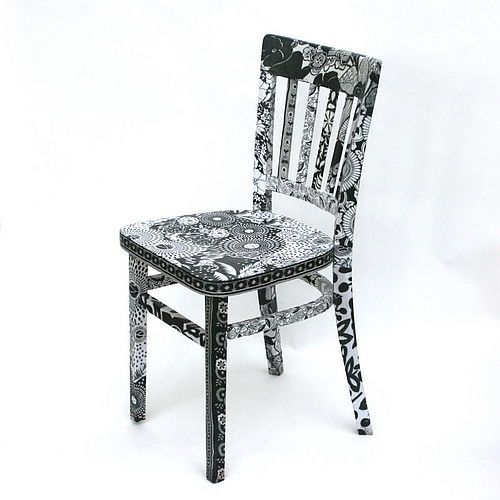 Decoupaged black and white chair by viva fabric 200 500 for Sedie decorate a decoupage