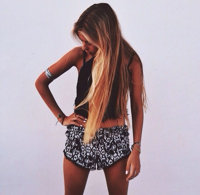 floral shorts with crop top // long straight ombré hair