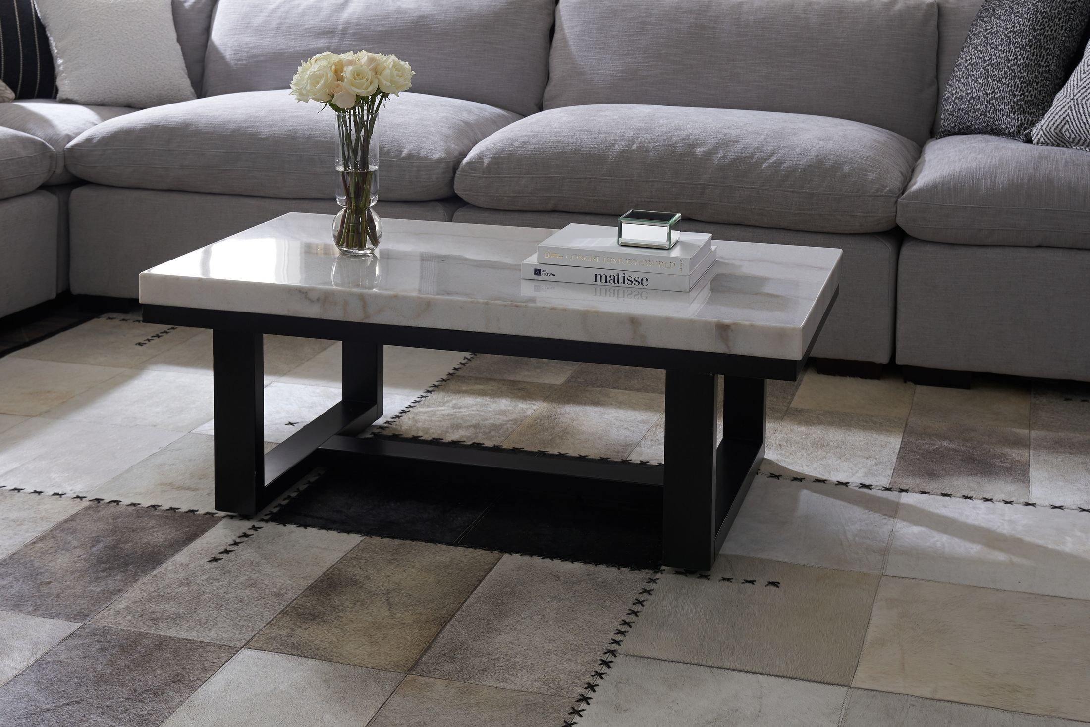 Pin By Danielle Dorsey On Front Room In 2021 Coffee Table Living Room Coffee Table Furniture [ 1468 x 2200 Pixel ]