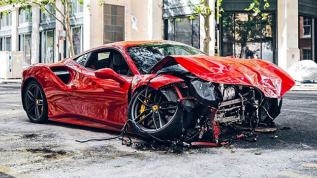 Ferrari Crash Rapper Mietet Ferrari 488 Gtb Und Crasht Ihn Autobild De Ferrari 488 Skoda Superb Kombi Vw Arteon
