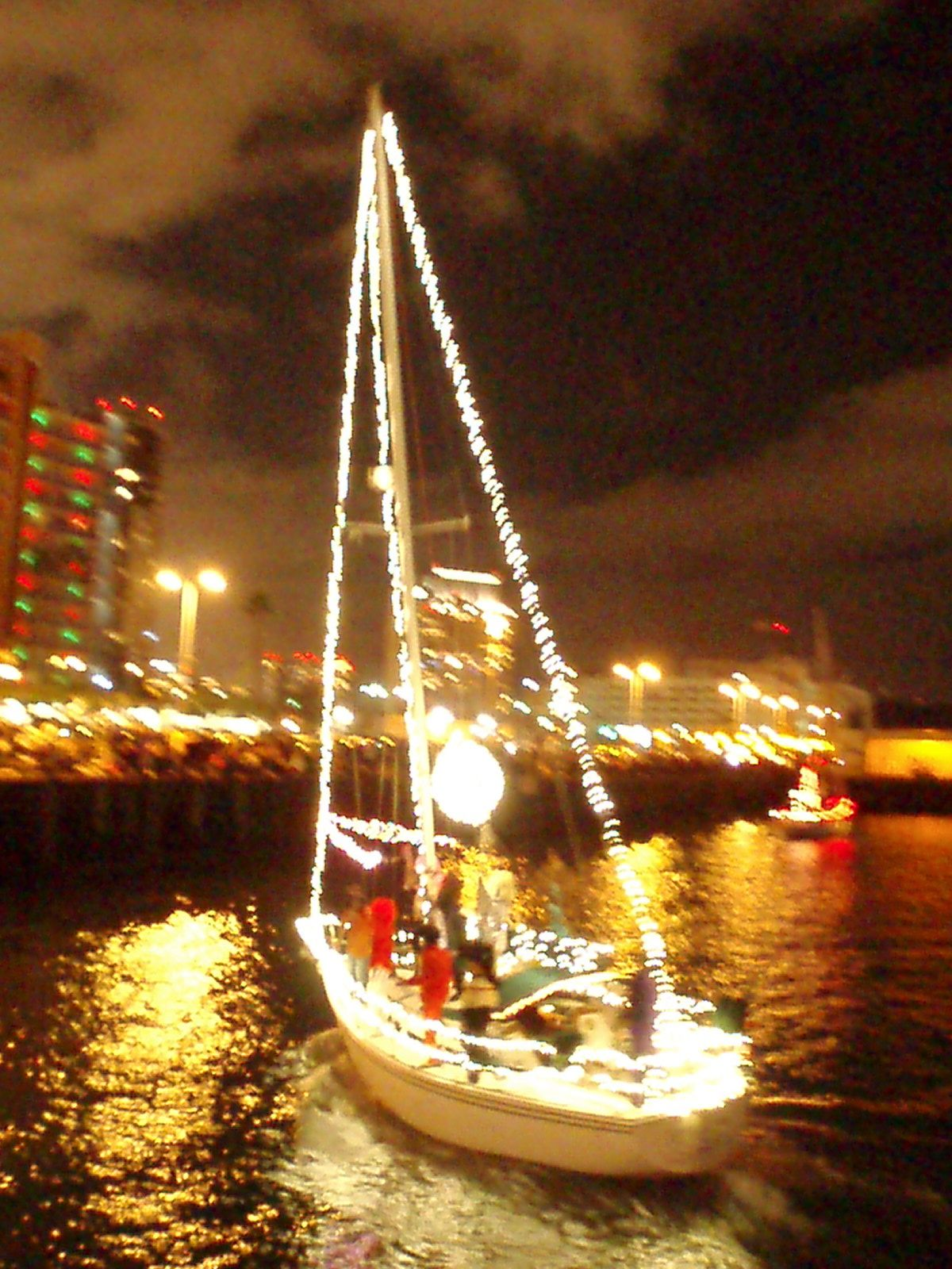 San Diego Bay Parade Of Lights Prepossessing San Diego Bay Parade Of Lightsevery December Yachties Decorate And Review