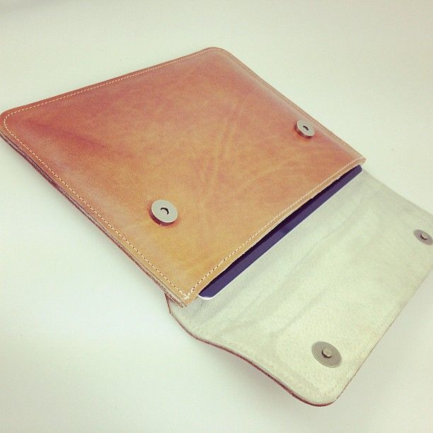 @Grafea | Inside the tan leather iPad case | Webstagram - the best Instagram viewer