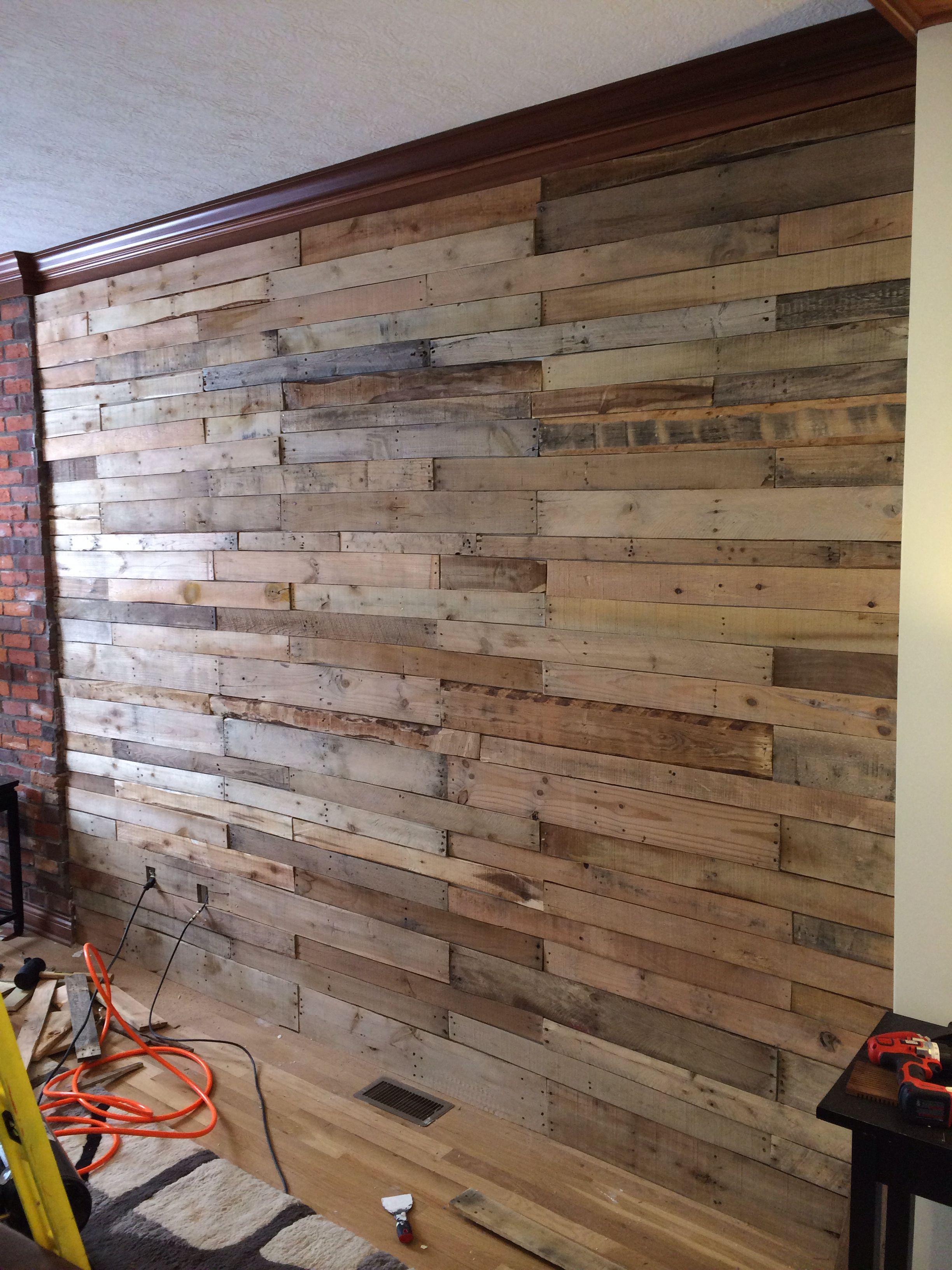 Pallet wood wall | Wood pallet wall, Wood, Pallet walls