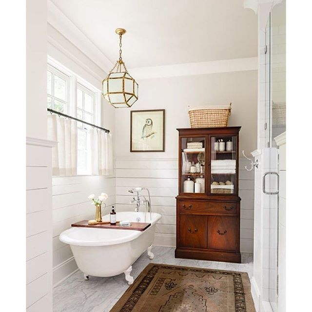 The Mixture Of Styles Beautiful Pieces In This Gorgeous Bathroom