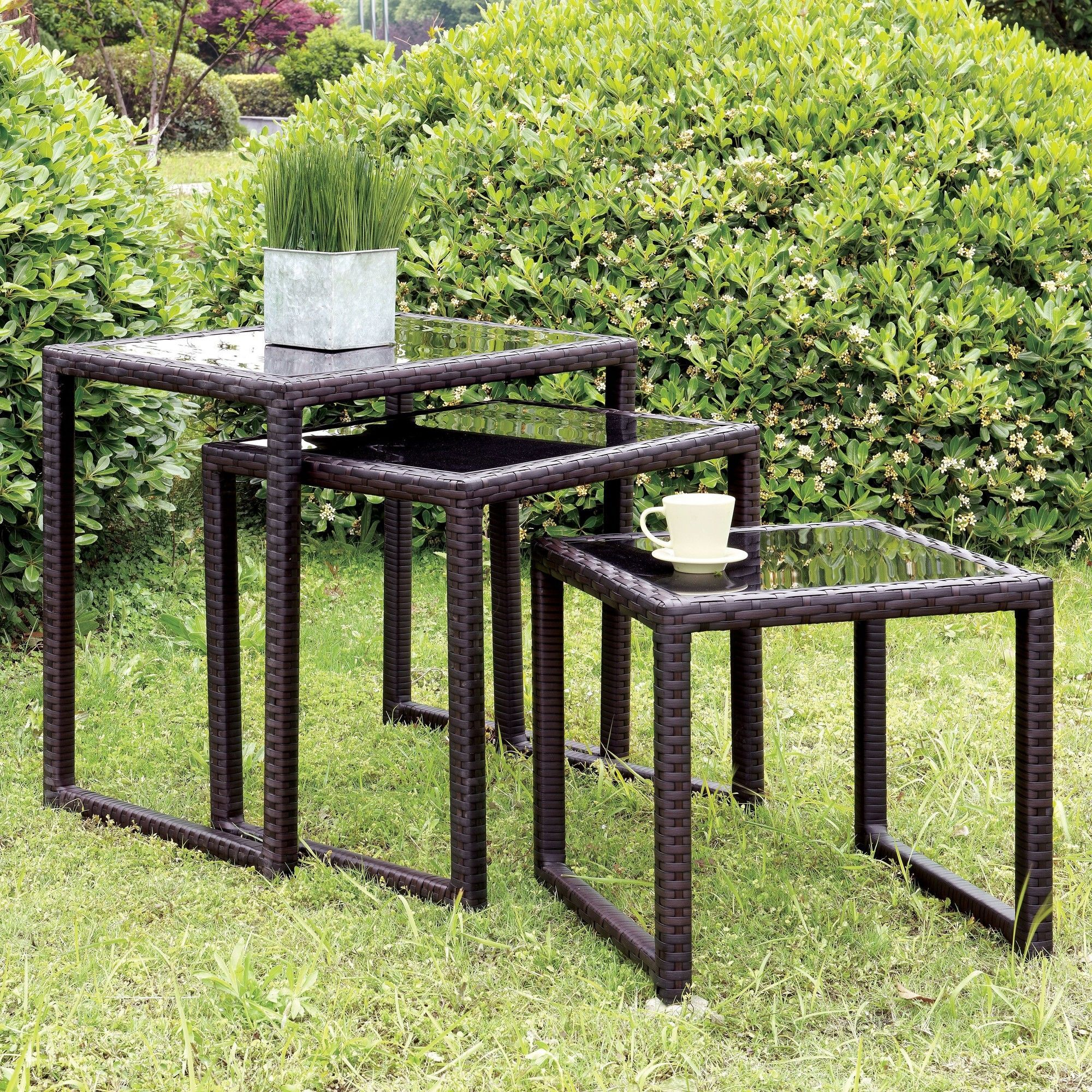 Quintin 3 Piece Nesting Table