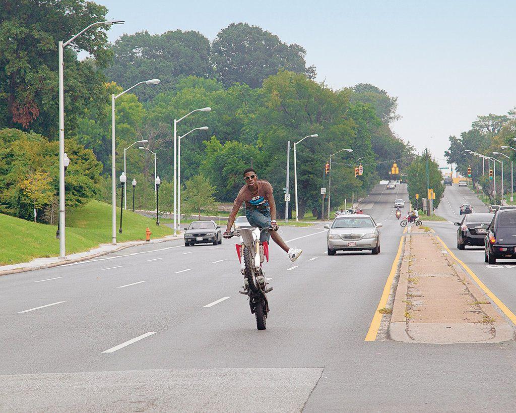 Grenzgaenger Wheelie Wheelies Ride Supermoto Stunt