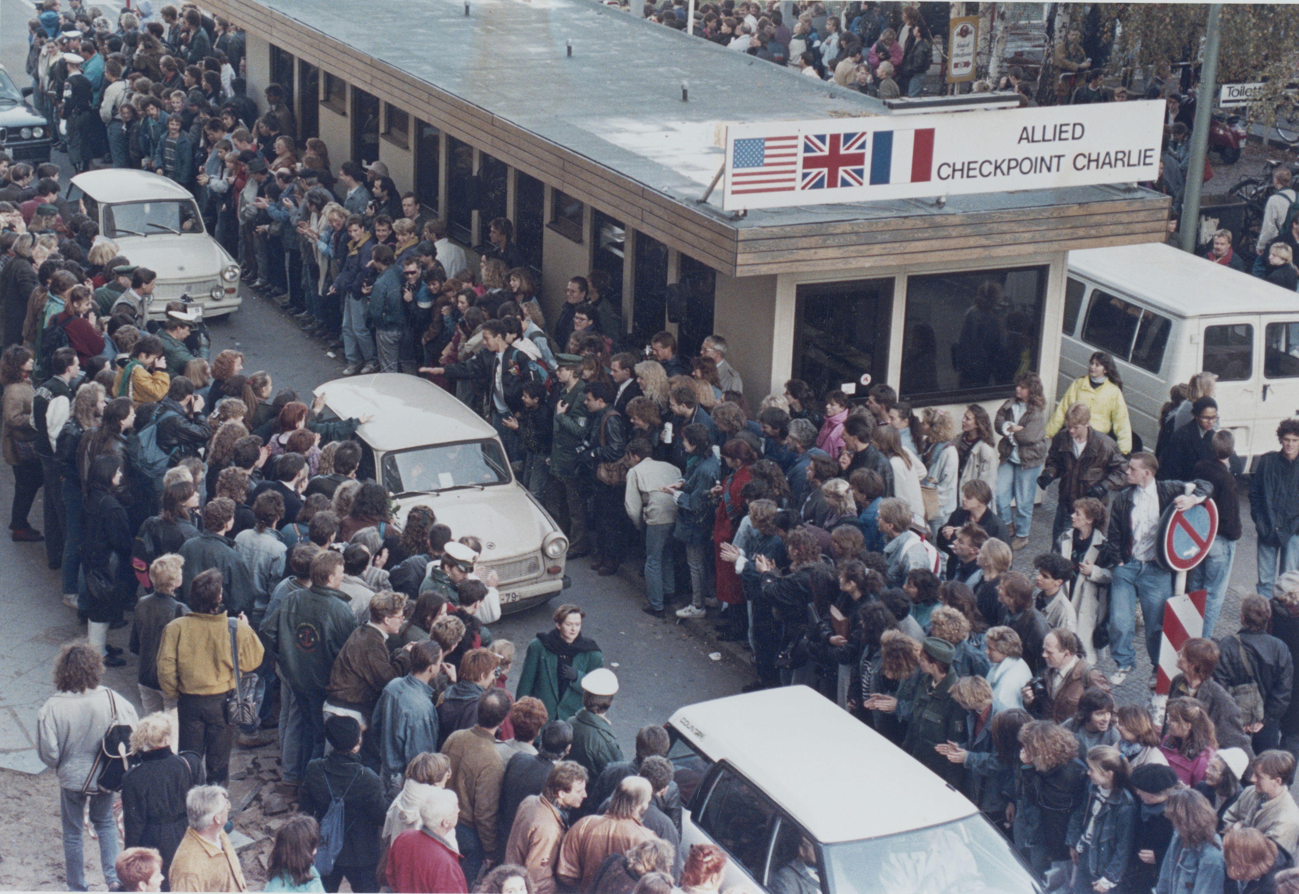 0001b747 Jpeg 4175 2874 Berlin Wall East Berlin Berlin