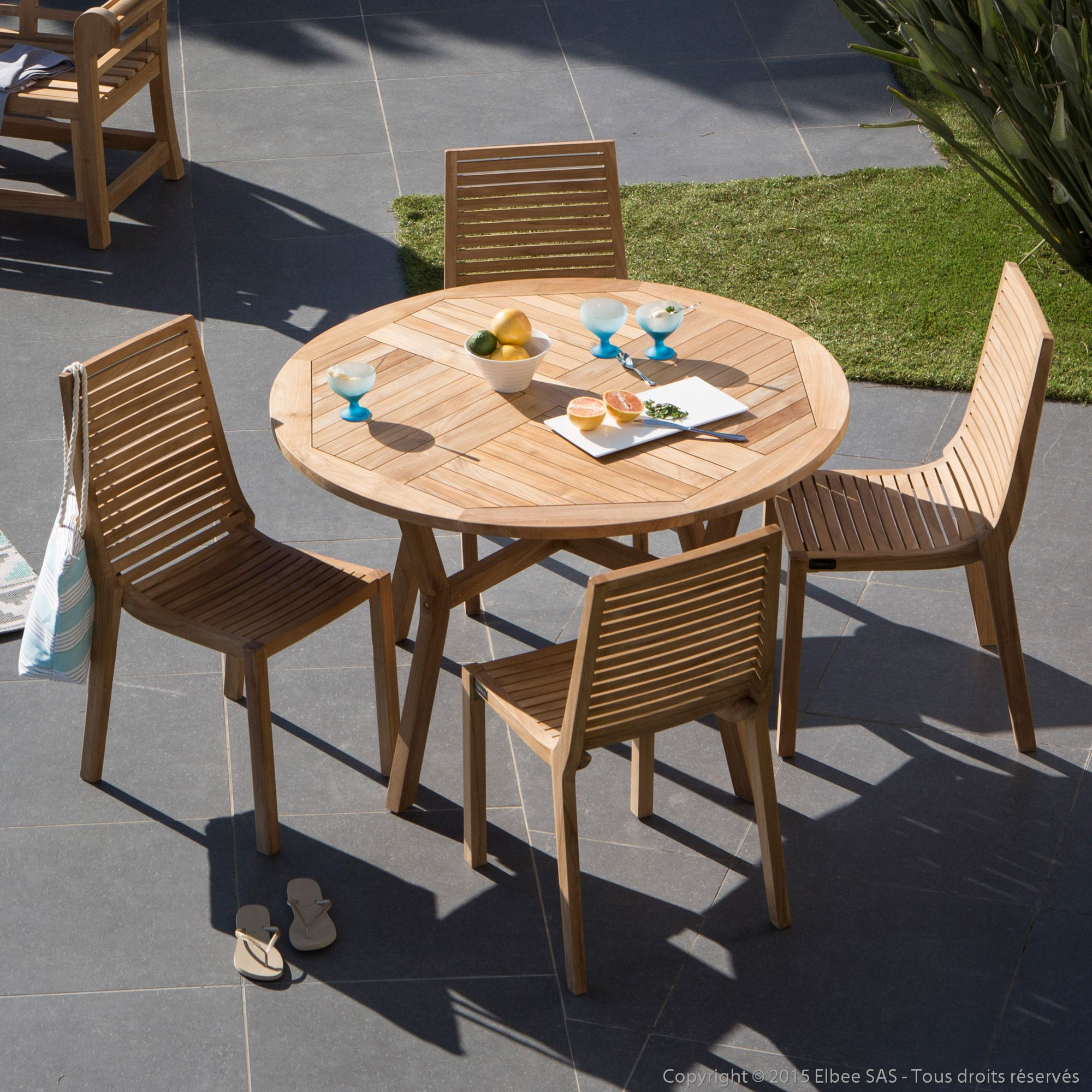 Salon de jardin 4 places en teck brut : 1 table ronde 120cm ...