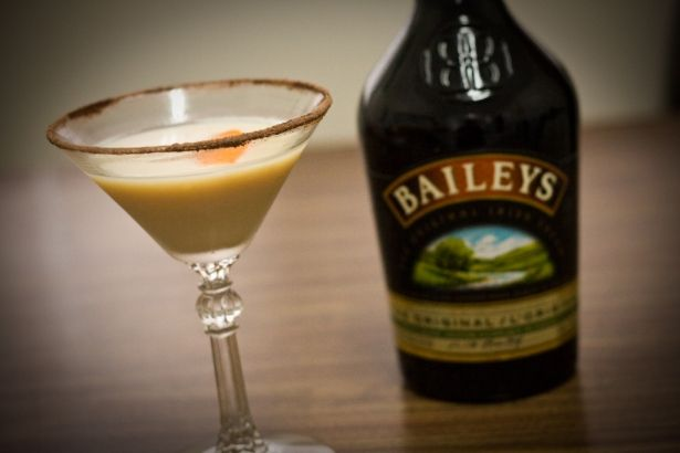 St. Patrick's Day cocktail: orange chocolate dream with Bailey's | Vancouver Observer