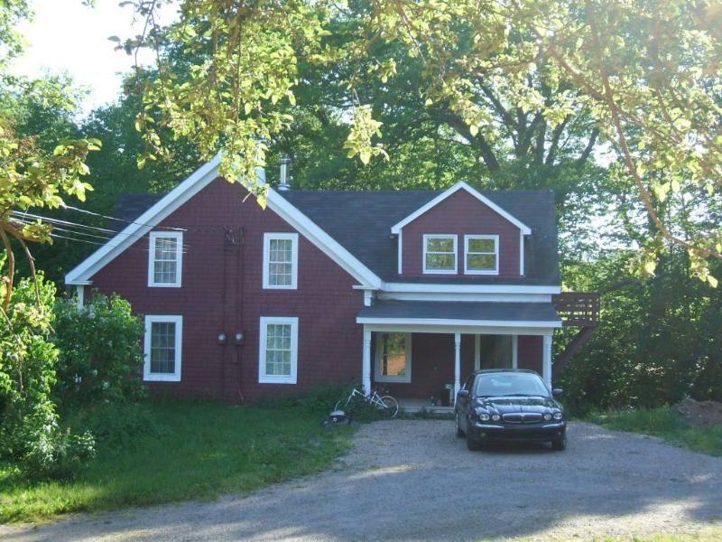 3 Bedrooms, 2 bathrooms in Kentville, Nova Scotia and 1