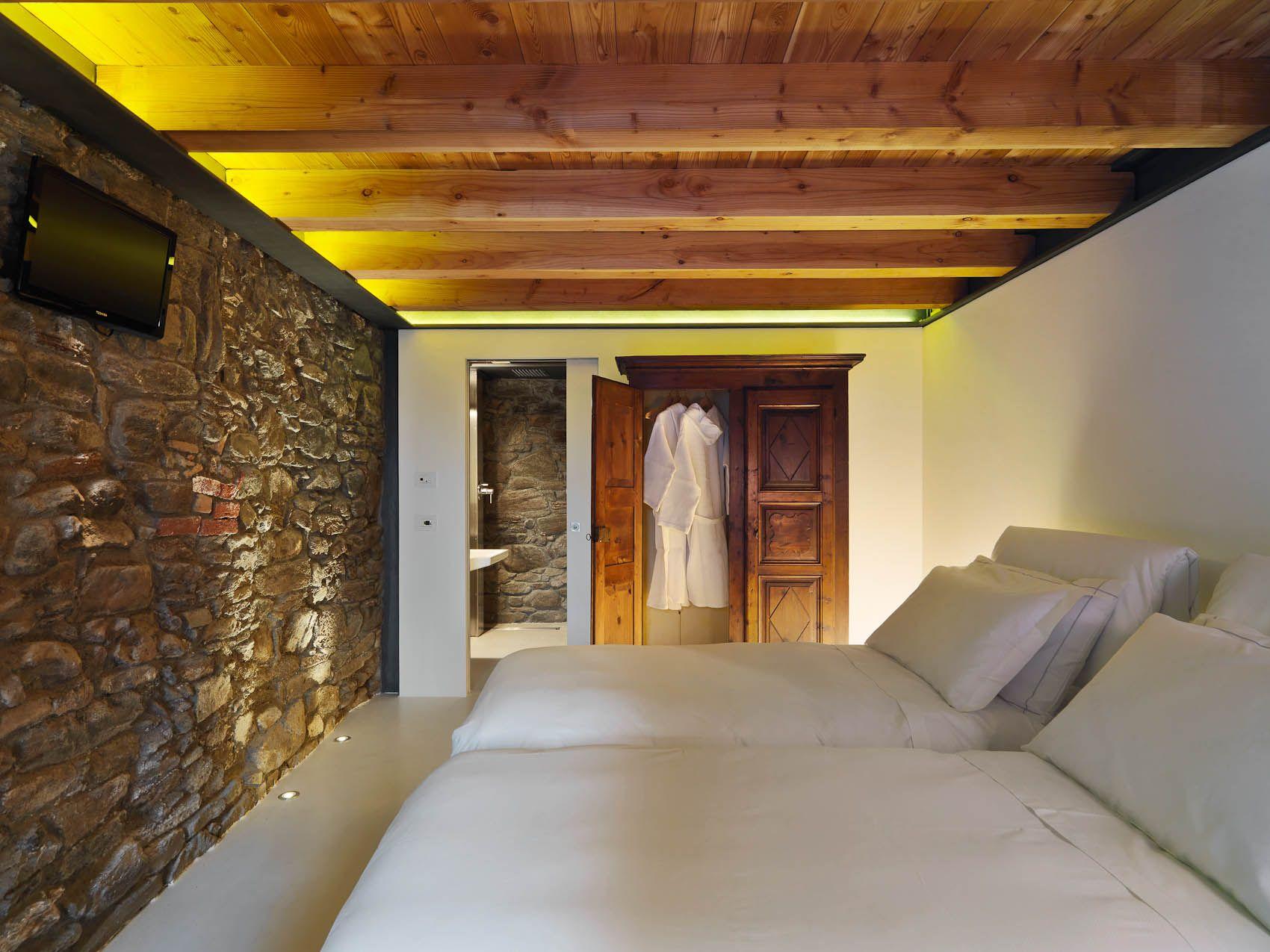 B B Di Charme Lusso E Design In Valle D Aosta Bed Breakfast Chambre D Hotes Le Coffret Le Camere Rustic Bedroom Design Home