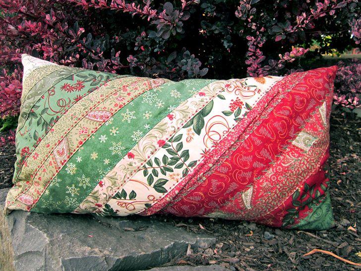 Jelly Roll and Honey Bun Faixa Pillow   Sew4Home