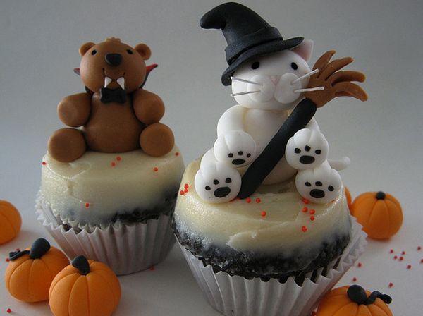25 Halloween Cat Cupcakes Halloween cat, Cupcake cupcake and Cake - halloween decorating cupcakes