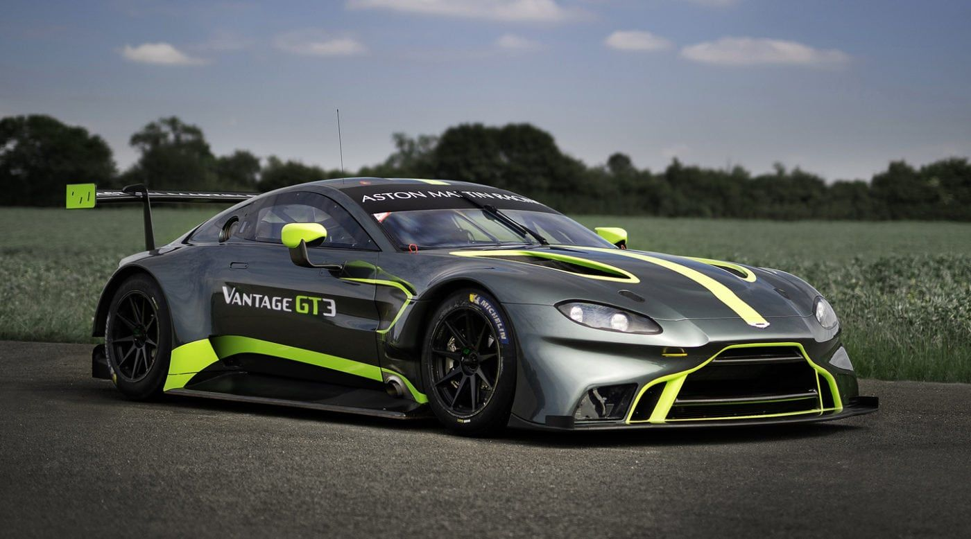 Aston Martin Vantage Gt3 Gt4 Unveiled At Lemans Aston Martin Vantage Gt3 Aston Martin Vantage Sports Cars Luxury