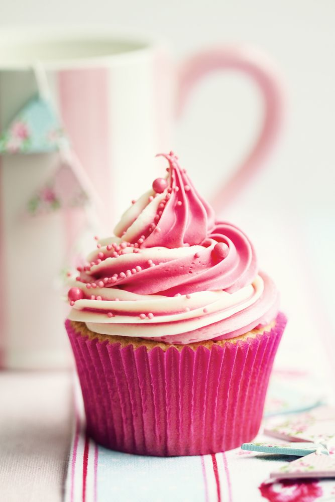 10 Pretty Ways to Decorate Cupcakes | Pink cupcakes, Cake and Cup cakes