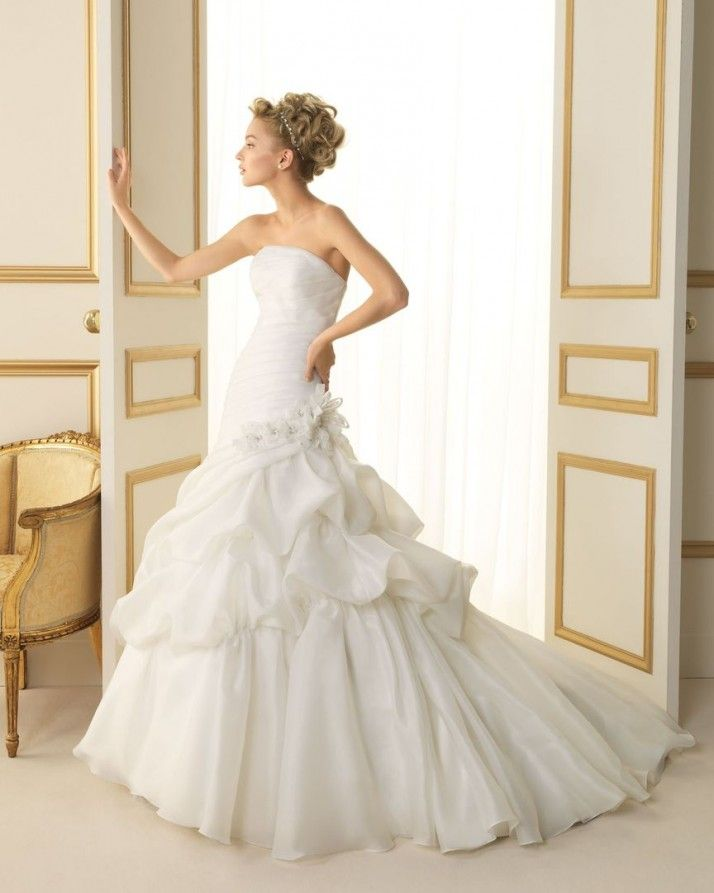 157 TIFON / Wedding Dresses / 2013 Collection / Luna Novias (Shown without Jacket)