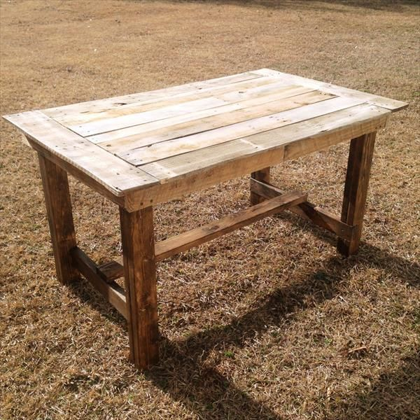 This is a simple Pallet wooden table which is designed by an furniture maker. It designed very simple and you can make this easily in your home. And if you want to paint this any color which you most like you can do this as your wish. You onetime you made this then you can use this in your home to put something on it and you can also used it in your lawns and anywhere where you want.