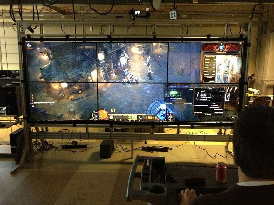 Massive 6-Screen Display.