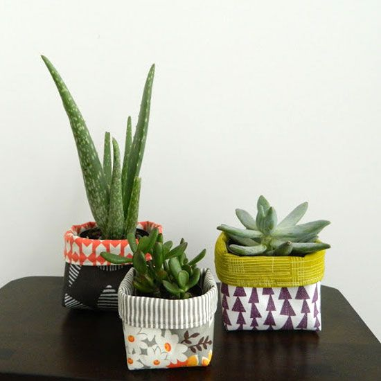 Make These Adorable Colorful Double Sided Fabric Sleeves To Cover Plastic Pots Succulents Diy Flower Pots Plant Pot Covers Flower Pots