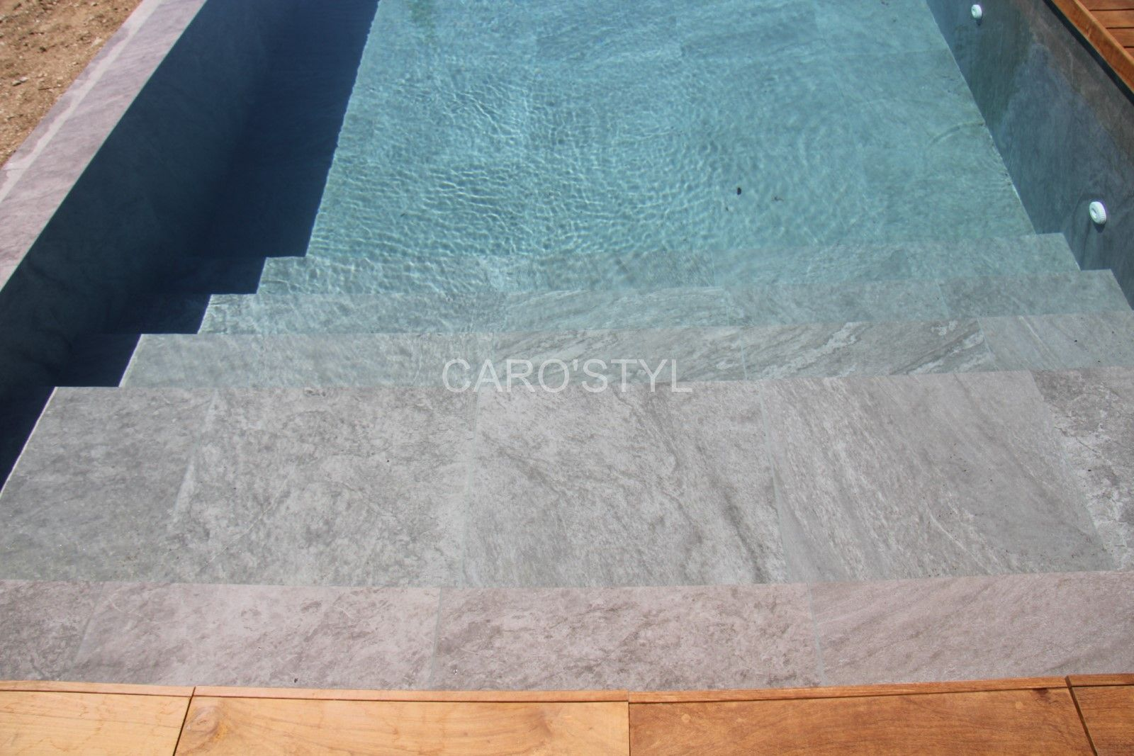 Bali Grey Carrelage Gres Cerame Vous Aimez Les Allures Modernes Aux Couleurs De Gris Alors Optez Pour Carrelage Gris Clair Carrelage Piscine Decoration Maison