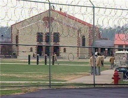 how to become a prison visitor