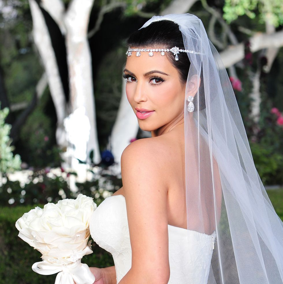 Calling All Brides A Kim Kardashian West Kkw Beauty Bridal Collection Is Coming Kardashian Wedding Kim Kardashian Wedding Kim Kardashian Wedding Dress [ 981 x 980 Pixel ]