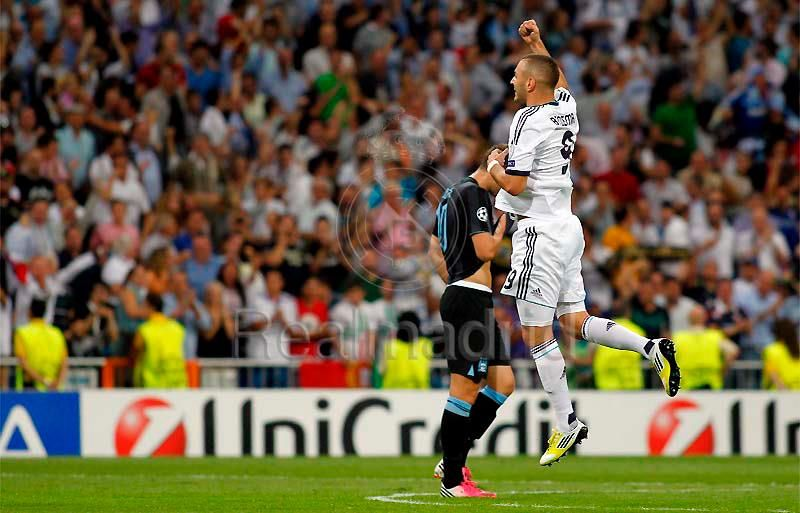 Benzema in action
