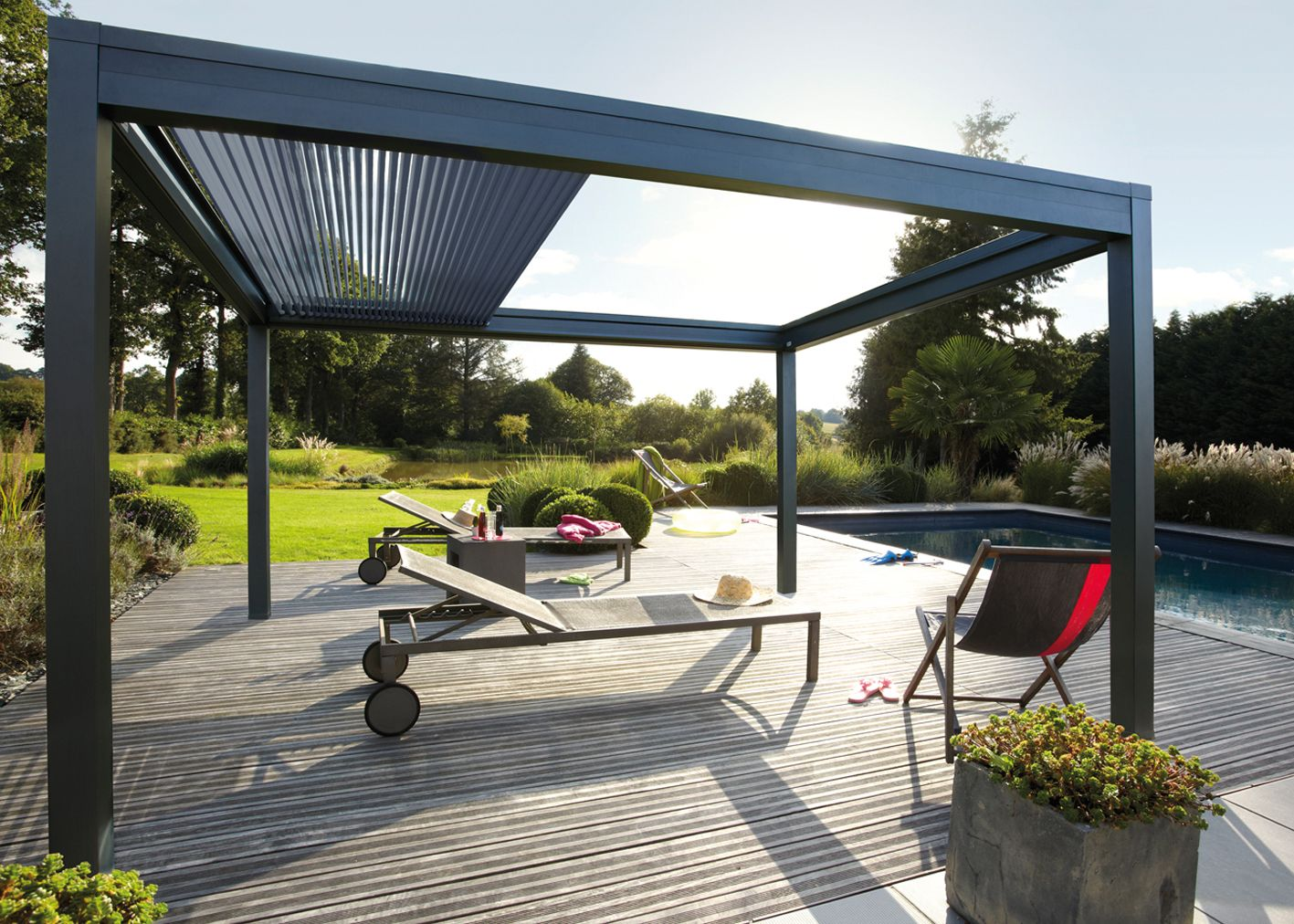 Pergola bioclimatique retractable pergoklim de soliso innovation