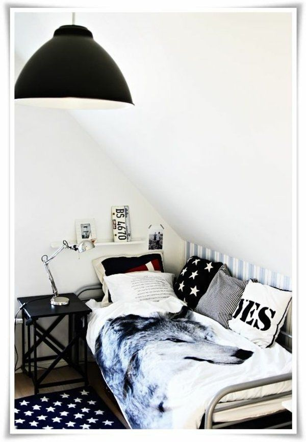 20 komfortable jugendzimmer mit dachschr ge gestalten ideen rund ums haus pinterest kinder. Black Bedroom Furniture Sets. Home Design Ideas
