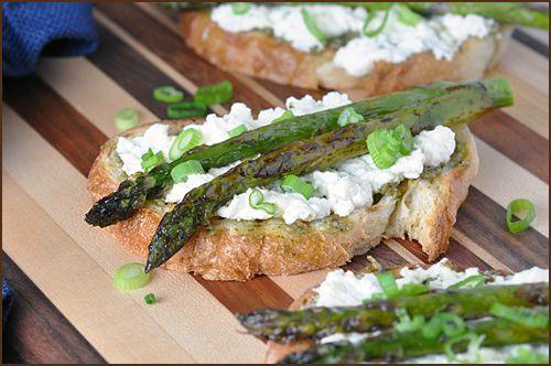 roasted asparagus with fresh ricotta and pesto
